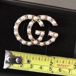 Jewelry - Gucci GG BROOCH